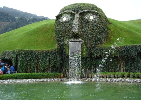 SwarovskiFaceFountain, Austria